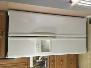 Kenmore side by side fridge with water & ice dispenser