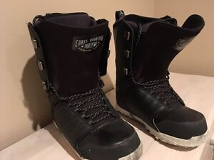 32 men's snowboard boots size 12