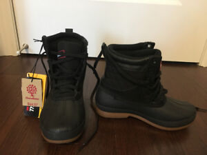 KIDS OR LADY WINTER BOOTS FOR SALE