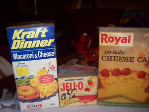 1986 kraft dinner box and royal cheese cake movie props