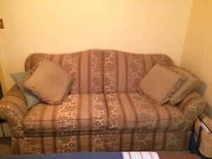 Couch and match love seat Strathcona County Edmonton Area image 1