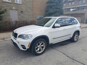 2012 BMW X5 35i SUV - PREMIUM + SPORTS PACKAGE!