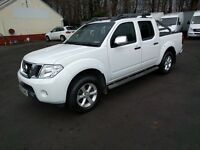 Nissan Navara 2.5 DCI TEKNA D/CAB (connect) 190 4WD Auto (white) 2013