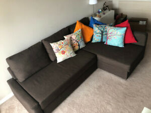 L shaped couch (sofa queen bed), great condition! No damage!