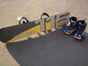 115 cm Dukes Kids Snowboard with Bindings and Boot