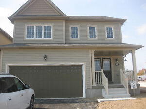 BRAND NEW 4BDRM WITH PREMIUM LOT HOME 4 RENT, S/S APPL.