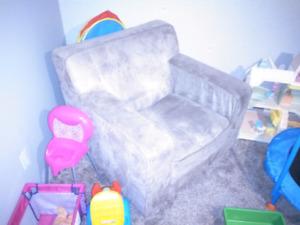 Comfortable brown lounge chair