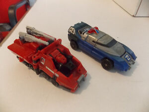 POWER RANGERS MEGAZORD POLICE CAR AND FIRE TRUCK (TRANSFORMERS)
