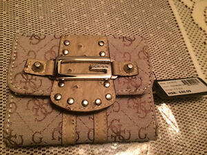 Selling 3 different GUESS brand wallets West Island Greater Montréal image 5