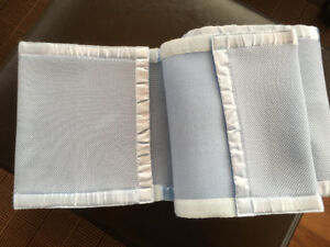 Blue breathable mesh crib bumpers/liner
