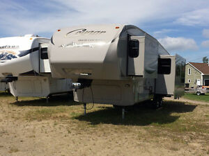 "2011 COUGAR HIGH COUNTRY 299RKS  ""$114.90 BIWEEKLY"""