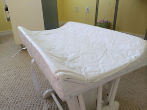Changing Pad and Cover Cambridge Kitchener Area image 1