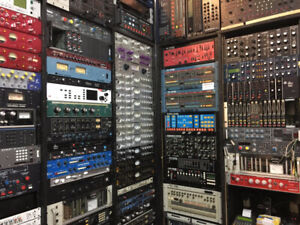 Looking for Rack Synths, Digital Pianos, Effects, etc