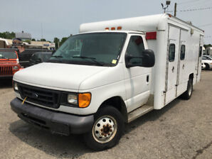 2006 FORD E450 DIESEL 66,000 KMS