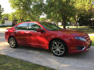 2011 Ford Fusion SEL AWD (SAFETIED) $5,800 Taxes Included
