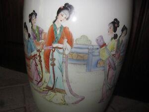 Vintage Chinese Hand Painted Vases Cambridge Kitchener Area image 6