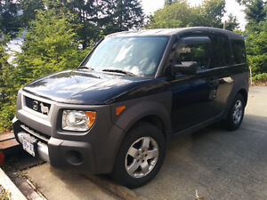 2004 Honda Element Low mileage 4WD (Fully loaded w/ Y package)
