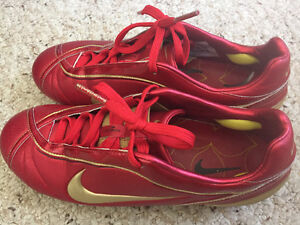 Nike Soccer Cleats, Size 6