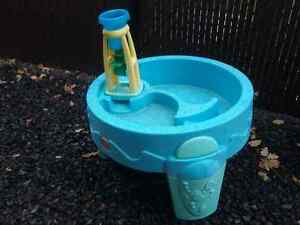 Toddler water play table