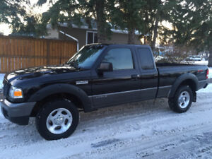 2007 Ford Ranger Ext Cab FX4 LEVEL 2 4x4 LOW KM