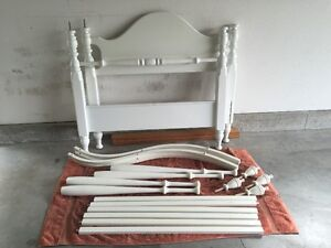 Childs Twin Canopy Bed