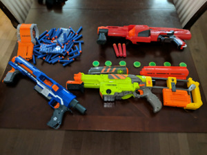 Nerf guns with lots if ammo