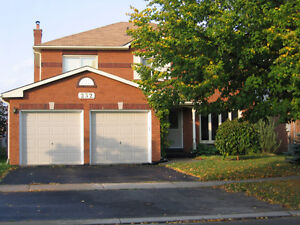 GREAT FAMILY HOME IN COURTICE...NOV. 1ST!!!
