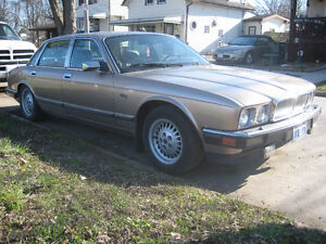 1991  JAGUAR XJ6 SOVERGN  FOR PARTS OR WHOLE AS IS