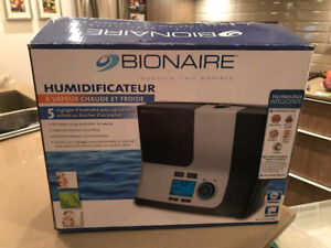HUMIDIFIER - BIONAIRE WARM AND COOL MIST