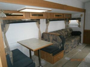 FRONTIER 27 FT 5TH WHEEL SLIDE BUNKS AND BOAT HITCH