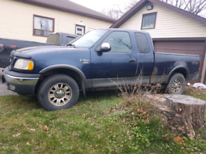 2000 ford f150 4x4 xlt 5.4 auto all New front end