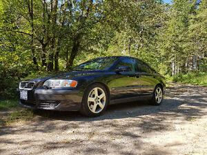 2004 Volvo S60 R, 6 Speed Standard AWD, 2.5 Ltr Turbocharged
