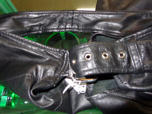 Leather chaps- med.-  recycledgear.ca