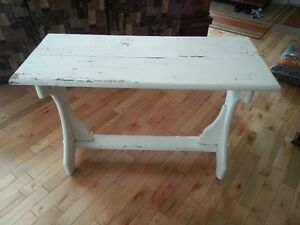 Table antique en pin peinture original