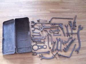 MODEL T TOOL BOX AND TOOLS