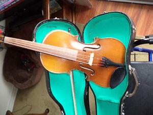 VIOLIN old skylark violin solid spruce top,maple back & sides London Ontario image 3