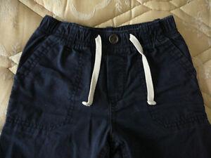 """Pantalon cargo bleu pour garçon """"Gap"""" (taille 5) West Island Greater Montréal image 4"""