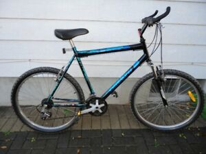 Sturdy Adult Size Mountain Bike With Front Suspension!