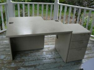 Meubles et mobilier de bureau à vendre chambly lespac