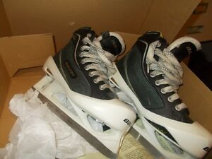 Jr Goalie skates - Bauer Supreme One80 Sz 4.5