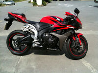 2007 Honda CBR 600RR - black and red