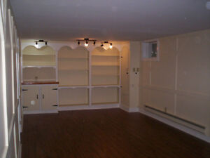 2 Bdr - Near Hospital/RECC - perfect for clean, quiet person.