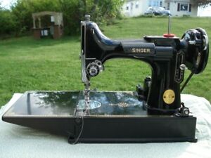 Singer 221 Featherweight Sewing Machine with Case