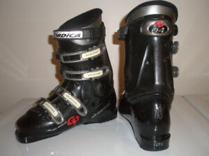 Brand New (Never worn) Women's Nordica GP04 Ski Boots