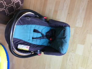 Infant rear facing car seat and base