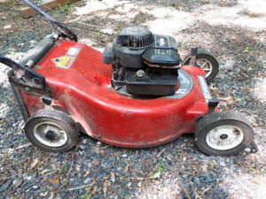 Gas Lawn Mower ( Brigs and strats)