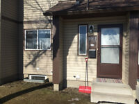 CLEAN 3 BEDROOM TOWN HOUSE IN CLAREVIEW