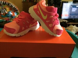 NIKE shoes for kids 5c for sale/ a vendre
