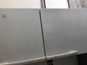 Refrigerateur  Whirpool en tres bon etat.  livraison possible