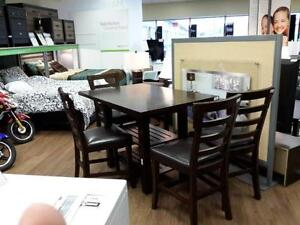 *** USED *** ASHLEY PINDERTON 5PC DINETTE   S/N:51162148   #STORE548